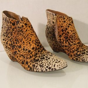 Matisse Women's Size 8.5 Ankle Boots Cow Hair